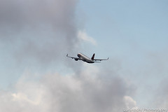 Airbus A320-214 (sharklets) - HB-JLT - Swiss International Air Lines - Zurich Airport (ZRH) (Manu Lu) Tags: lines fly flying airport swiss aviation air zurich international airbus zrh sharklets