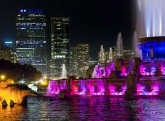 Buckingham Fountain (McCawley Photos) Tags: chicago fountain buckingham skyline longexposure