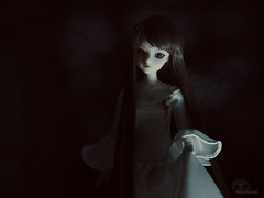 The Priestess (Saga) Tags: jdoll j doll avenue kleber groove fashion erin eireann saga sagelith girl lady ghost priestess medieval creepy dark mysterious glow white dress gown night darkness spooky