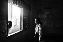 peekaboo (dako_huang) Tags: dakohuang streetphotography blackandwhitephotography streetpics streetphotographers cambodia