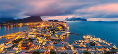 Sunset Alesund - Norway (~ Floydian ~ ) Tags: henkmeijer photography floydian norway alesund moreogromsdal fjellstua viewpoint norwegian city town mountaksla aksla bluehour sunset evening dusk atlantic ocean sea harbor harbour citylights view scenery cityscape twilight canon ts tiltshift tse tse24mmf35lii canoneos1dsmarkiii wow brilliant