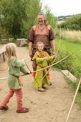 256 Haithabu WHH 17-07-2016 (Kai-Erik) Tags: geo:lat=5449026637 geo:lon=956608068 geotagged haithabu hedeby heddeby heiabr heithabyr heidiba siedlung frhmittelalterlichestadt stadt wikingerzeit wikinger vikinger vikings viking vikingr huser vikingehuse vikingetidshusene museum archologie archaeology arkologi arkeologi whh wmh haddebyernoor handelsmetropole museumsfreiflche wall stadtwall danewerk danevirke danwirchi oldenburg schleswigholstein slesvigholsten slesvigland deutschland tyskland germany 8sommermarkt hndler handwerk handwerker markt wikingermarkt marktgeschehen 17072016 17juli2016 17thjuly2016 07172016 httpwwwhaithabutagebuchde httpwwwschlossgottorfdehaithabu
