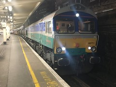 66711 London Victoria 20161123 (Mammoth85) Tags: 66711 rhtt victoria 66 sence