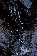 Cascade (nolyaphotographies) Tags: crozon fontaine finistere bretagne france mer eau falaise seascape water nikon d7000 source cascade plage