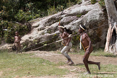 Spearmen (10b travelling / Carsten ten Brink) Tags: 1000plus 10btravelling 2016 asia asie asien baliem carstentenbrink dani iptcbasic indonesia indonesian irianjaya jayawijaya newguinea papua papuabarat papuan southeastasia wamena westpapua ethnicgroup feathers festival hunter island offering penissheath pigfestival spearman spears tenbrink traditional traditionalcostume tribal tribe valley