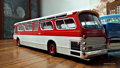 Hachette GMC New Look Bus Model (2) (Alexander Ly) Tags: ttc toronto transit commission hachette collection france montreal montrealnord nord quebec canada ontario gm gmc gmdd new look bus autobus fishbowl tdh5301 old vintage city vieux scale model modele reduit