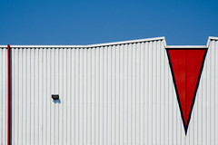 jump (leontjew) Tags: red sky white lines wall minimal arrow singen