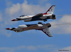 SRM570912090873 (photoman576097) Tags: ca aircraft military airplanes thunderbirds fighters usaf falcons ranchocordova usairforce matherfield jetfighters kmhr f16c jetplanes mhr capitolairshow usafdemonstrationteam airforcedemoteam