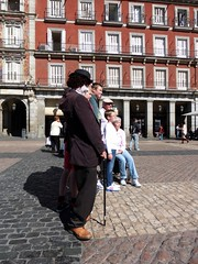 Personaggi in Plaza Mayor - Madrid (fotomie2009) Tags: madrid plaza espaa square spain mayor tourists espana charlot piazza espagne spagna turisti