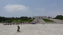 statue of Kim Il-sung & Kim Jong-il, Mansudae Grand Monument, Pyongyang, North Korea (raphael_o) Tags: july kimjongil northkorea pyongyang dprk kimilsung 2013 coredunord