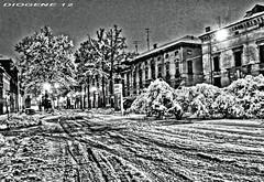 FEBBRAIO 2013 CITTA SOTTO LA NEVE ( february 2013 city under snow ) (DIOGENE12) Tags: winter bw snow night square bn neve piazza filters inverno notturno filtri