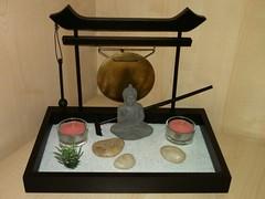 Budda-Gong (Marco Taddia' s Eye) Tags: budda torii gong zengarden giardinozen soprammobile flickrandroidapp:filter=none