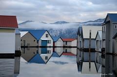 More Float Homes on Lake Pend Oreille (Explored) (misst.shs) Tags: winter fog idaho bayview lakependoreille nkon boathouses northidaho mountatins floathomes farragutstatepark d7000