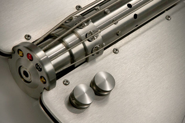 Stash-Stainless-Steel-Bass-Guitar-4