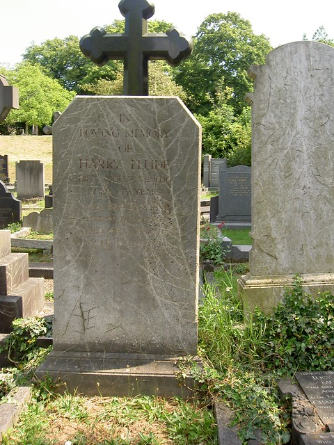 Harry_Marianne_Flude_headstone