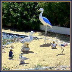 Extraordinary Garden (Pifou 2010) Tags: light france art colors birds garden couleurs jardin lumiere figurine oiseaux 2014 lecroisic gerardbeaulieu pifou2010 extraordinarygarden