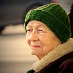 Old Lady in Green Hat 3 (Kojotisko) Tags: woman brno cc creativecommons czechrepublic streetphoto fujifilmfinepix fujifilmfinepixsl1000 fujifilmfinepixsl1000kojotisko
