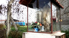 . (Grecia.Greece) Tags: art rooftop argentina underground subway trenes greek photography graffiti montana trains spray greece grecia vandal subte walls kuwait fotografia bomb bombs tagging bombing grec trackside caba capitalfederal vertiente ciudadautonomadebuenosaires
