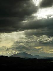 Nubes de tormenta (Rubn Daz Caviedes) Tags: espaa storm clouds spain cloudy nubes tormenta cantabria picosdeeuropa montecorona sierradelescudo ermitadesanesteban