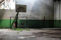(NatanPeres) Tags: school meta prdio abandonado