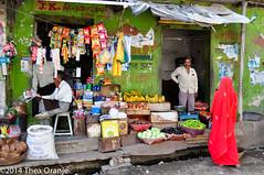 Streetlife #2 (Thea Oranje) Tags: red woman india green shop nikon rajasthan wal jemli
