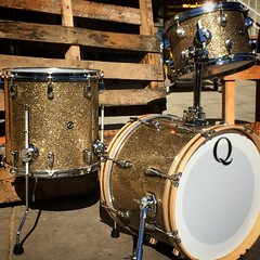 To help cope with Monday, here's a little gem. 18, 12, 14 mahogany bop kit wrapped in a ginger glass. #qdrumco #bebop #jazzy