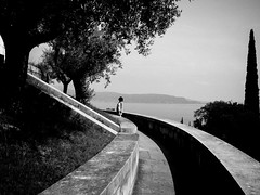 2016 - Gardone Riviera - Vittoriale (alesalina) Tags: 2016 bw blackwhite italia italy lago lake monochrome curved outdoor gardoneriviera lombardia it