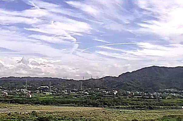 奇怪飛機雲