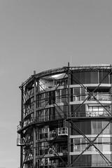 Gasometer in Stade (Klaus Vetter) Tags: hafencity stade schwarzweis herbst neuerhafen architektur