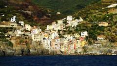 (bobbat) Tags: riomaggiore cinqueterre liguriansea italia italy liguria unescoworldheritagesite nationalpark sea summer