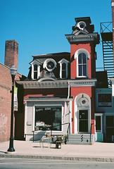 Barre Antique Center (Nsharp17) Tags: nikon nikonfe film 35mm kodak ektar ektar100 red barre vermont antiques antiquesstore