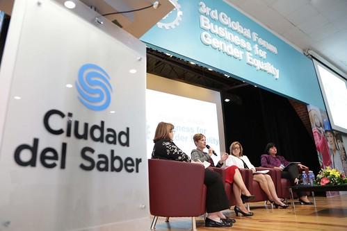"Tercer Foro Global de Empresas por la Equidad de Género. • <a style=""font-size:0.8em;"" href=""http://www.flickr.com/photos/91359360@N06/30354918863/"" target=""_blank"">View on Flickr</a>"