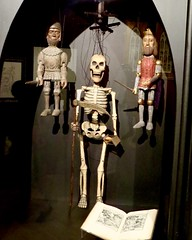 IMG_9422 (danimaniacs) Tags: lacma guillermodeltoro monster horror skeleton puppet marionette
