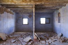 Espacios abandonados. Gaarul, Aragn, Espaa. (www.rojoverdeyazul.es) Tags: gaarul aragn espaa autor lvaro bueno habitacin room abandonda abandoned ventanas windows zona rural rstico antiguo rustic ancient