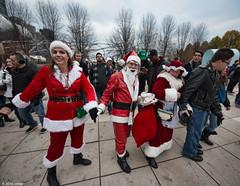 DSC_0961 (critter) Tags: santacon2016 santacon santa bean cloudgate millenniumpark christmas pubcrawl caroling chicago chicagosantacon artinstituteofchicago