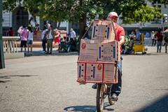 Huevos (Claudio Olivares Medina) Tags: codipra huevos santiago bicicleta verano bicilogistica