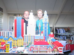 LEGO 1:87 MEGA town plan; the builders (jeroenvandorst) Tags: lego 187 toen plan henk jeroen h0 ho 60s
