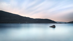 Pierre qui coule... (cedric.chiodini) Tags: le longexposure poselongue calme lake lac eau water canon