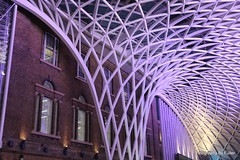 140. King's Cross station, London. 10-Sept-16. Ref-D123-P140 (paulfuller128) Tags: london uk england kings cross station st pancras