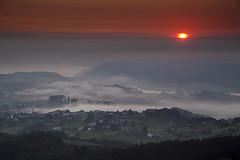 Amanecer desde la Peona (Adolfo Mtez) Tags: nikon amanecer niebla d600 aml peona