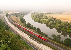 DB 185 (thomasthomasth) Tags: railroad fog train germany landscape town main country zug db german valley land local passanger bahn railways thick wrzburg 185 tj kd thickfog tjkp vros himmelstadt falu vonat deutche nmetorszg foly majna vlgy orszg passangertrain nmet helyi szemly szemlyvonat