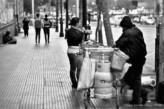 Santiago de Chile al anochecer (Alejandro Bonilla) Tags: chile city santiago blackandwhite bw blancoynegro atardecer noche sam sony ciudad bn alfa alameda santiagodechile chilenos a290 santiagochile sopaipilla santiaguinos sonya290 alejandrobonilla