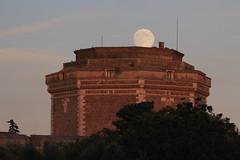 IMG_0132 (Daniele A. Cossio di Codroipo) Tags: moon luna moonrise bluehour goldenhour sangallo civitacastellana