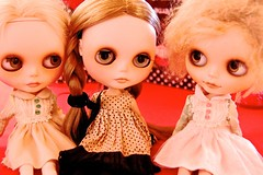 Reunited!  Goldie With Her BFF Amelia (a former traveling blythe) While Babette Looks On... at BlytheConNY 13'