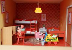 Left room of the extra storey... (*blythe-berlin*) Tags: orange vintage göteborg toys furniture gothenburg 70s möbel byebye spielzeug dollhouse puppenhaus lundby cacodolls biegepuppen doll´shouse 70zigerjahre
