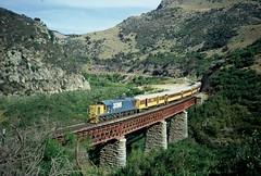 DJ 3096 (geoffreyw@kinect.co.nz) Tags: stream dj deep viaduct gorge taieri tgl 3096