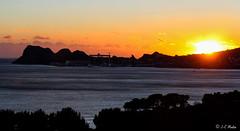 IMG_8970 (moutoons) Tags: sunset sea sky sun mer colors sunshine night fire soleil town couleurs ciel nuit rocher ville feu couchant coucherdesoleil baie laciotat golfe portvieux capucins enflamme