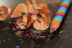 Abfall.. (Mah Nava) Tags: colors pen pencil colours crayon bleistift farben abfall buntstift spne crayonshavings angespitzt buntstiftspne