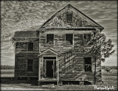 This Old House 3 (Photos By Vic) Tags: old bw house abandoned home farmhouse northcarolina newbern