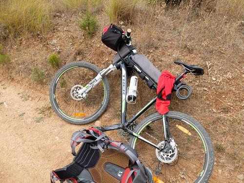 Con un poco de creatividad es posible adaptar Framebags fabricadas a la medida de otras bicicletas